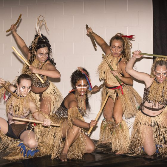 Le Maculelê est une danse afro-bresilienne.