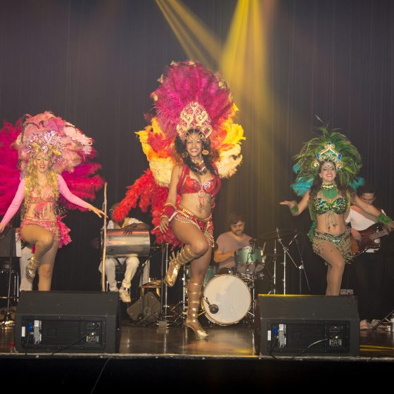 Spectalce de Samba au Théâtre Plaza dans le cadre du Festival International de la musique et de la danse bresilienne - 2018 Crédit photo: SantaBar Studio