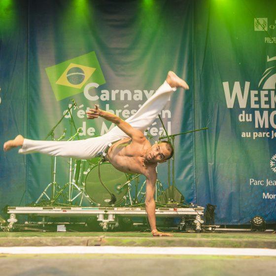 Instructeur FAVO faisant une démonstration de la capoeira dans le cadre des Week-ends du monde - 2018
