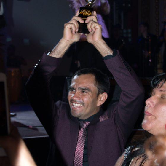 FAVO, Le directeur de l'Academia Samba Jeri est très heureux de remporter le prix de la Meilleure École de Danse lors du Gala des LATIN AWARD CANADA 2018.